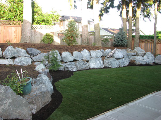 Retaining walls abbotsford landscaping and excavating for Landscaping rocks vancouver