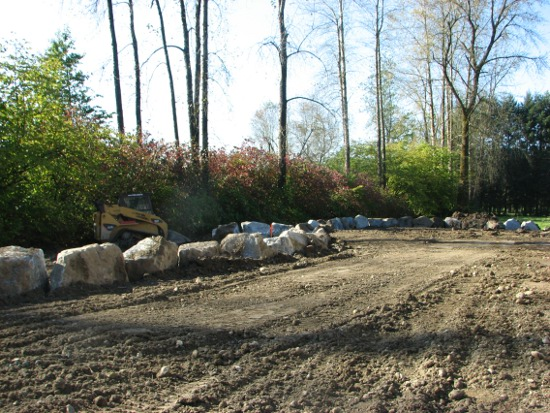 Landscape Blocks Abbotsford : Granite rock retaining wall